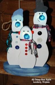 light up frosty trio