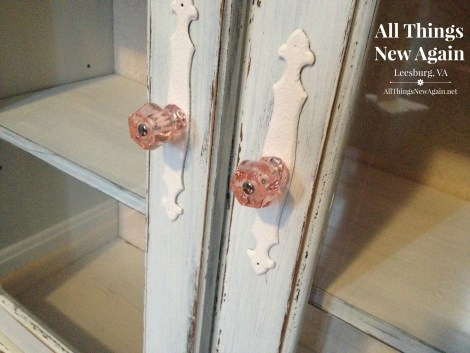 china cabinet_closeup knobs