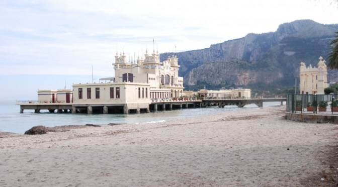THE CHARLESTON Restaurant in Mondello (near Palermo)