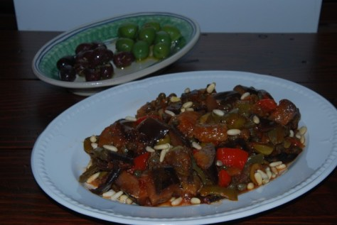 Cap & olives front_0059