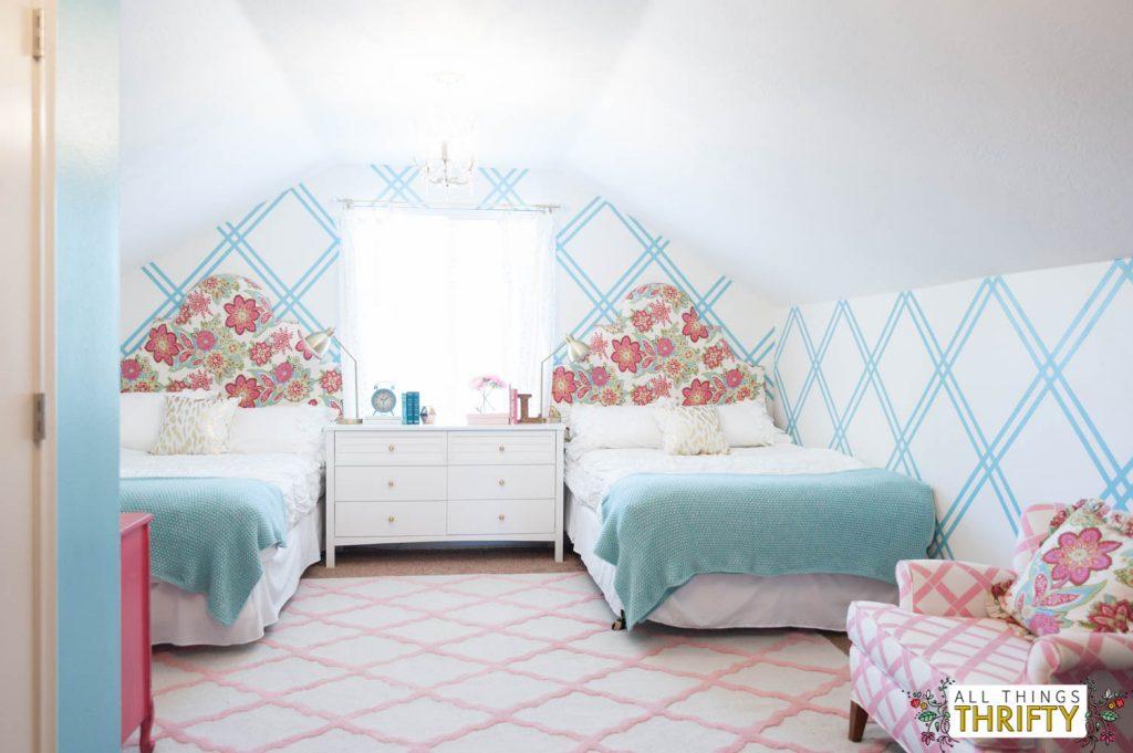 Girls Tween Bedroom Makeover {Gold, Turquoise, Magenta ... on Tween Room Ideas Girl  id=73627