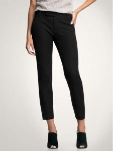 Everyone-needs-pair-black-cropped-pants