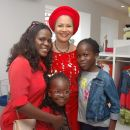 nike-ogunlesi-with-some-of-the-children-and-a-guest