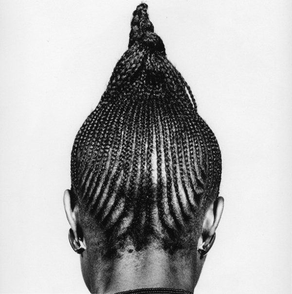 beri-beri-1974-by-j-d-okhai-ojeikere-hairstyle