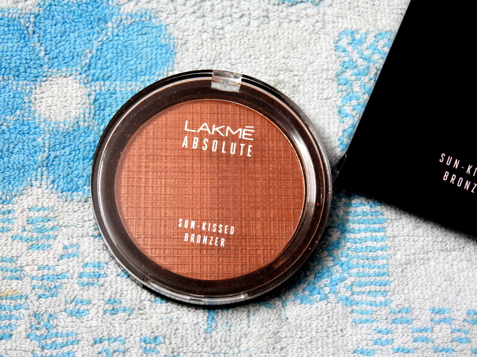 Lakme Absolute Sun-Kissed Bronzer-Review