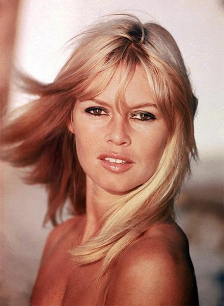 Un'altra immagine di Brigitte Bardot, la protagonista più importante della vita notturna di Saitn Tropez (EMMEVI PHOTO)