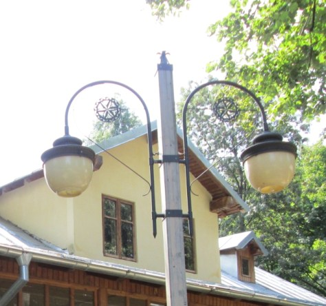 Twin lamp post in Village Museum, Bucharest. Image by @PatFurstenberg