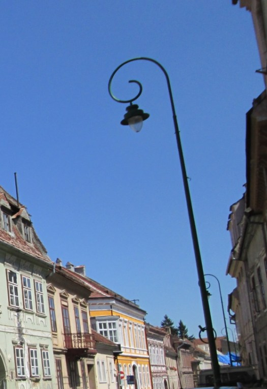 Street light in Brasov, Romania. Image by @PatFurstenberg