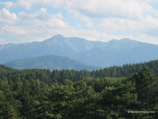 Travel to Romania via some Amazing Photos - Bucegi mountains