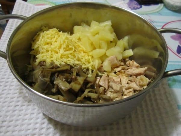 ингредиенты салата смешать