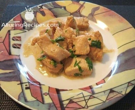 Филе индейки, тушеное со сметаной и соевым соусом