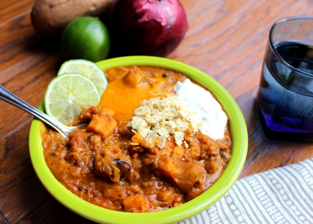 Spicy Sweet Potato and Apple Vegetarian Chili