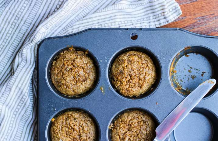 Clean & healthy peanut butter banana blender muffins