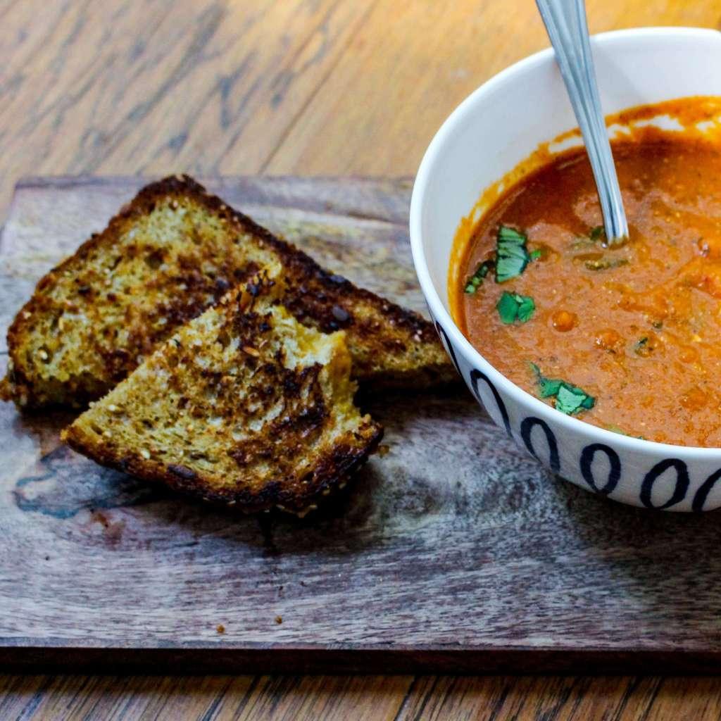 20 Minute Creamy Tomato Basil Soup
