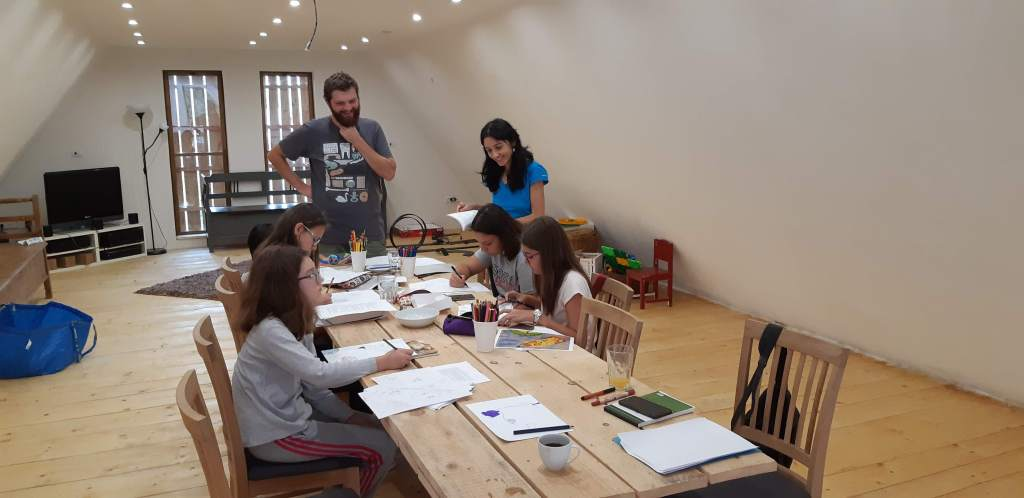 The upstairs workshop room can be configured depending on the workshop needs.