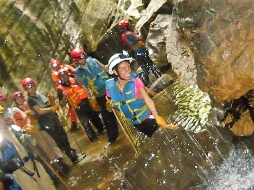 Cuevas del Bayano- Vestimenta
