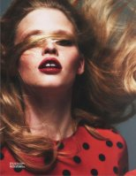Lara-Stone-Vogue-Magazine-Paris-March-2014_007