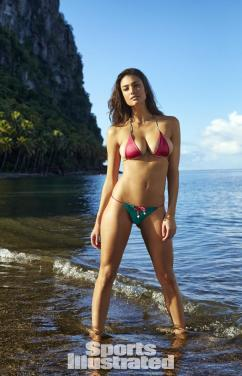 Lauren-Mellor-2014-SI-Swimsuit-Issue_002