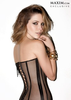 Sophia-Bush-Maxim-April-2014_005