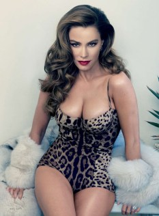 Sofia-Vergara-VanityFair-May-2015_004