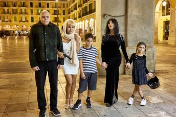 Damian, Evelyn, Berenice, Joaquin y Josefina. Familia Adams