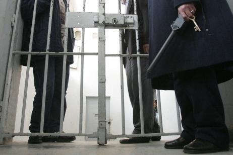 مواطنة تواجه السجن بسبب صفعها لشرطية مرور بالرباط