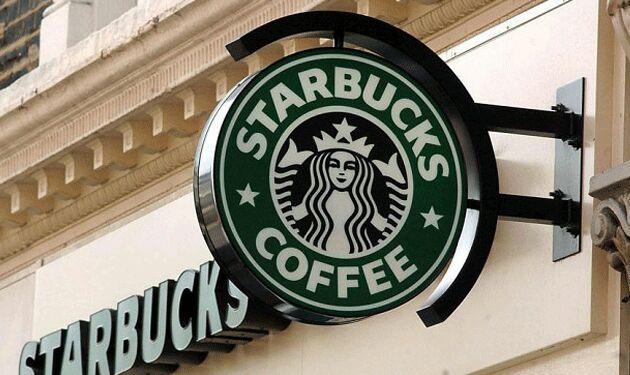 """أمريكية تقاضي """"ستاربكس"""" لوضعها ثلجا كثيرا في مشروباتها"""