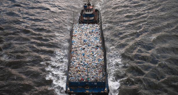 إسقاط مافيا دولية حولت المغرب إلى معبر للأطنان من النفايات السامة