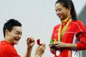 لحظة مؤثرة… يتقدم لخطبتها لحظة تتويجها في أولمبياد ريو 2016