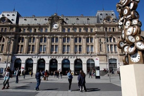 باريس تنوي تخصيص ساحة للعراة