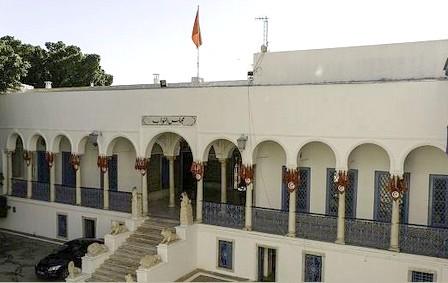 تونس… اعتقال شاب حاول اقتحام البرلمان بسلاح أبيض