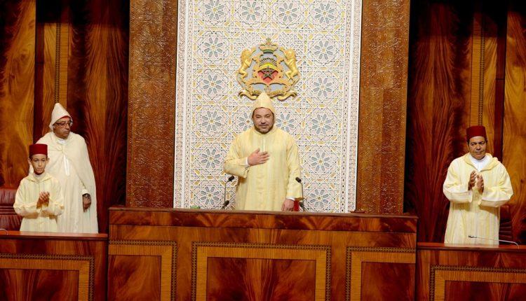 """الملك: """"الوضع اليوم أصبح يفرض المزيد من الصرامة للقطع مع التلاعب بمصالح المواطنين"""""""