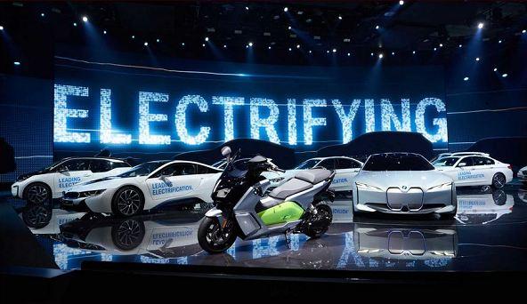 BMW تخطط لبيع 140 ألف سيارة كهربائية بنهاية العام