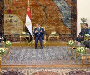 السيسي لحمدوك: نساند خيارات الشعب السوداني الشقيق في صياغة مستقبل بلاده