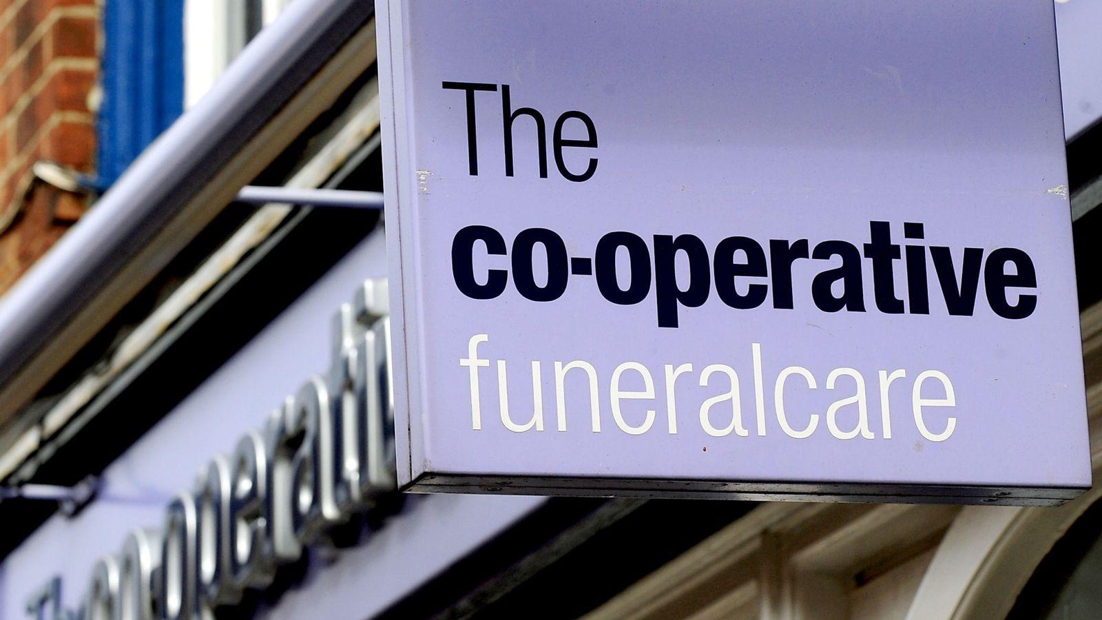 انخفاض الوفيات 10% ببريطانيا يٌكبد  كوبرتيف  لخدمات الجنائز 19 مليون إسترليني - جريدة المال