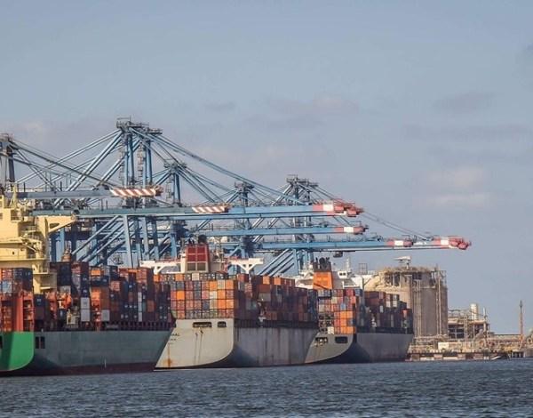 ميناء دمياط يستقبل 5000 طن خردة ويُصدر 6397 طن فوسفات