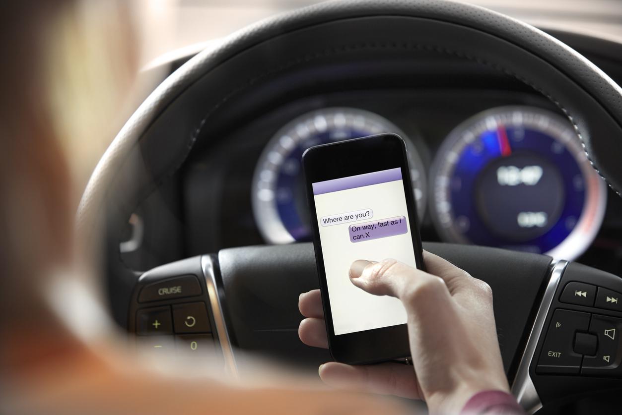 التحدث إلى السيارة بلا سماعة بلوتوث.. أحدث صيحات منع الحوادث أثناء القيادة - جريدة المال
