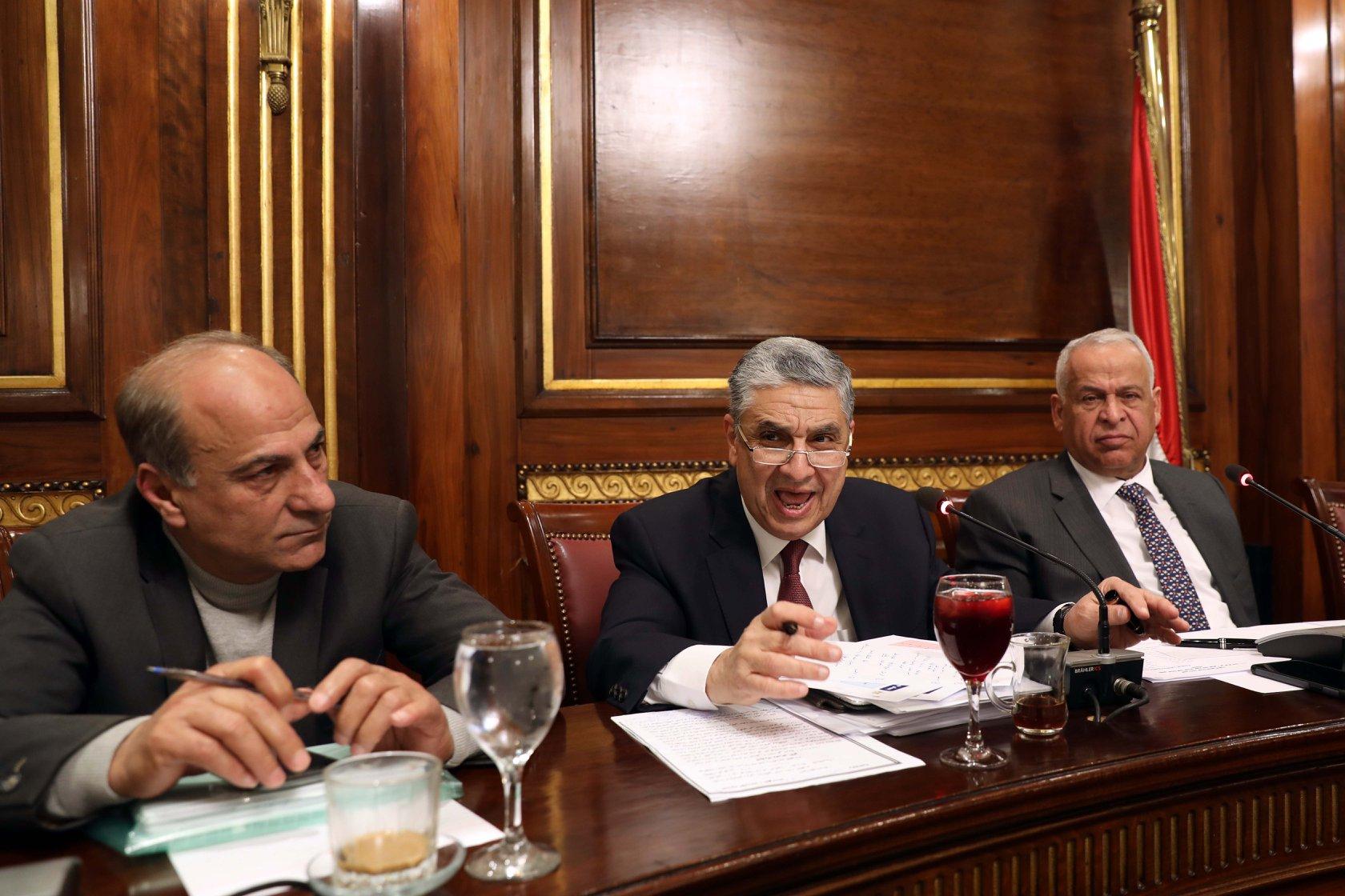 وزير الكهرباء يستبعد خفض الأسعار للمصانع حاليا - جريدة المال