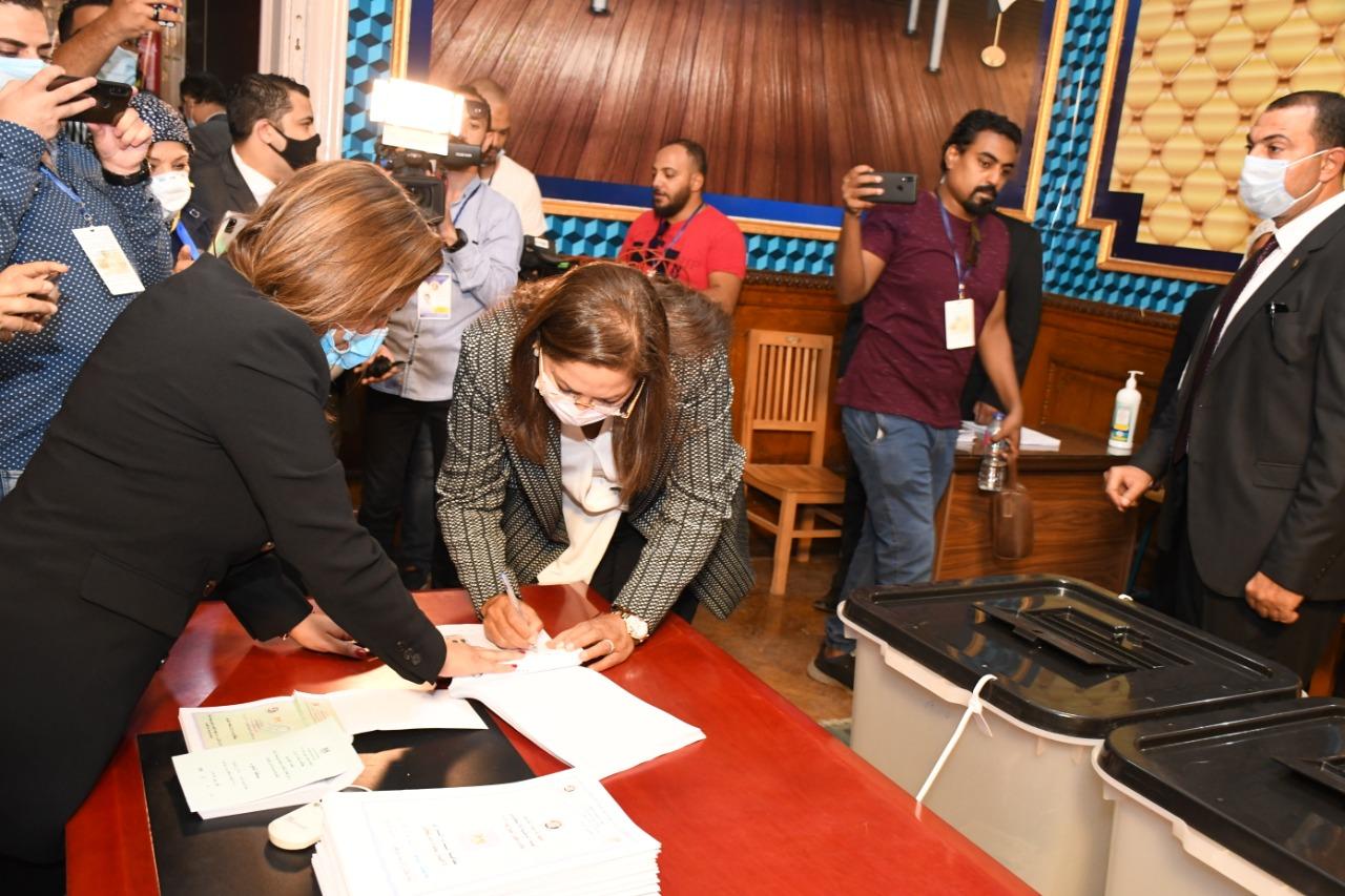 الدكتورة هالة السعيد تشارك في انتخابات مجلس الشيوخ