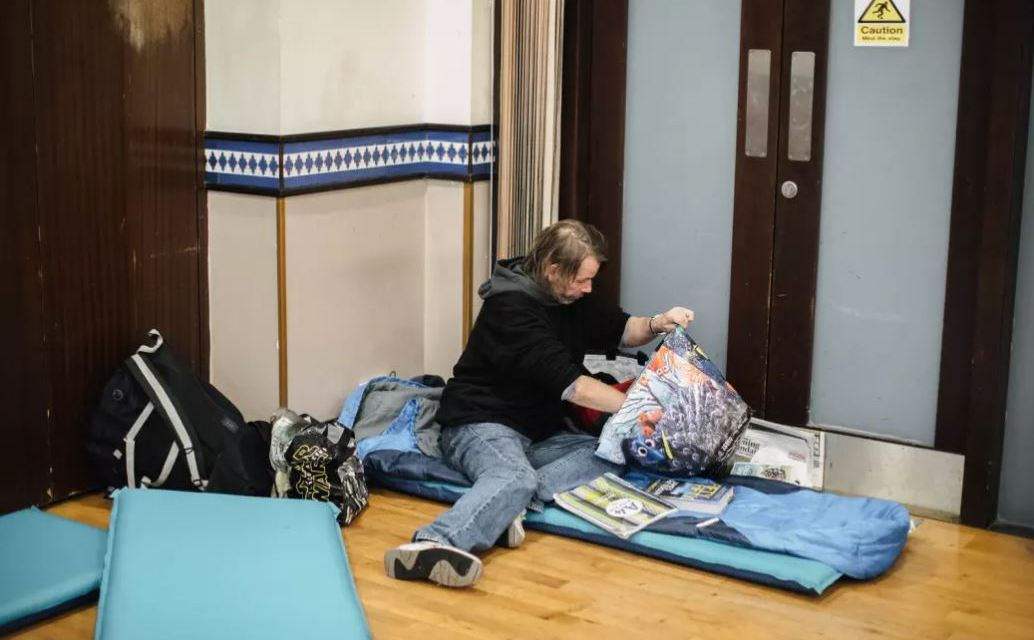 This Is What Happens When A Mosque Becomes A Homeless Shelter