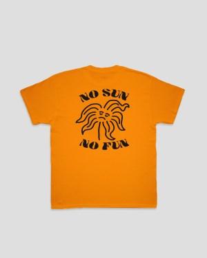 Orangenes T-Shirt mit schwarzem Print
