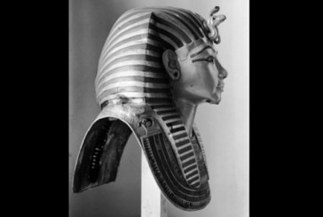 'Photographing Tutankhamun' exhibition goes behind the scenes of early archaeology
