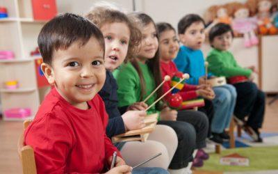 خمس طرق لتزيد من اهتمام طفلك بمدرسته