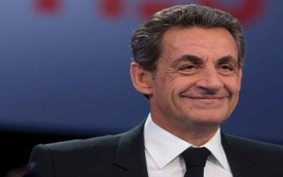 ساركوزي يدعو الفرنسيين للتصويت على ماكرون