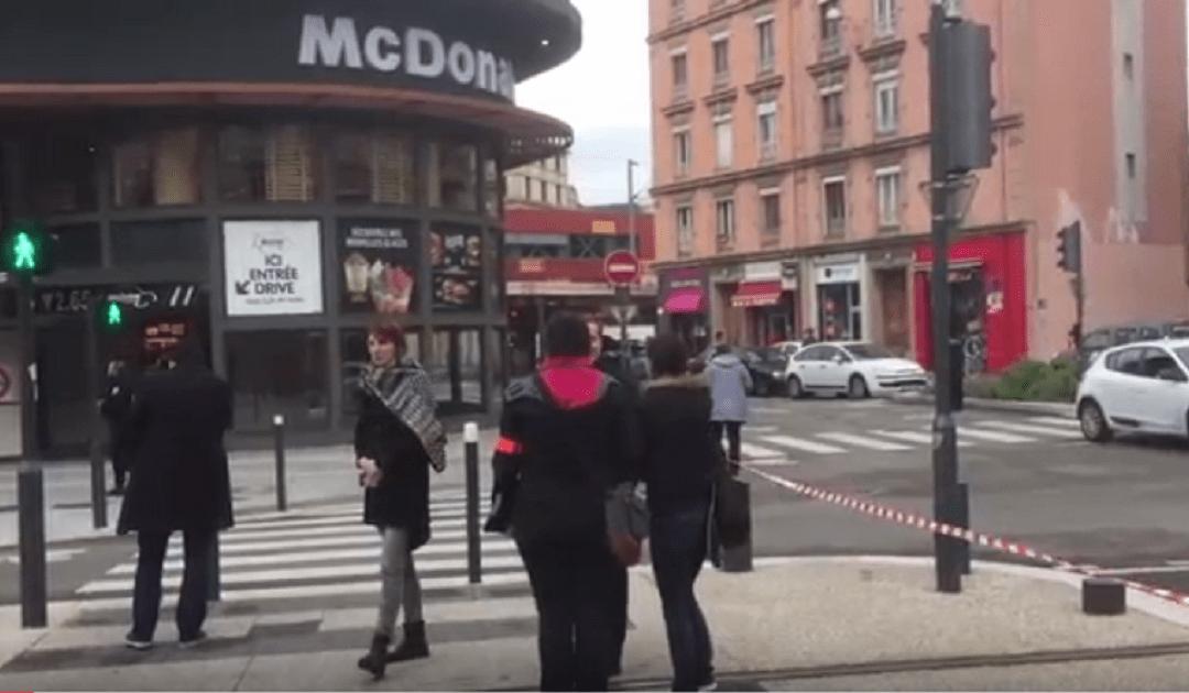 """إنفجار يهز مطعم """"ماكدونالدز"""" بمدينة غرونوبل الفرنسية +فيديو"""