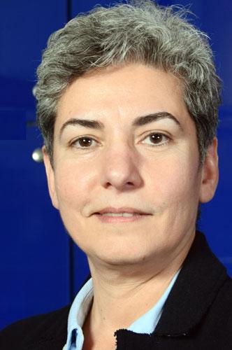 Israa Abdullatif - partijleidster van Almelo Centraal