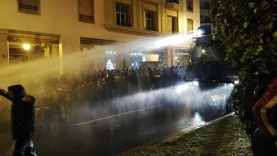 Photo of بعد ليلة بيضاء الأمن يتدخل بعنف في حق أساتذة التعاقد