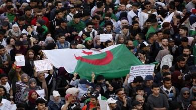 """Photo of الحراك الجزائري في جمعته التاسعة يتشبث برحيل رموز """"نظام بوتفليقة"""""""