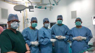 Photo of فريق طبي بأزرو ينجح في عملية استبدال كلي لمفصل الكتف لسيدةسبعينية