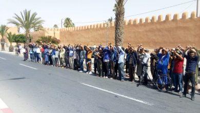 Photo of التنسيقية المحلية للباعة الجائلين بتزنيت: السلطات تهددنا بالاعتقال وتصادر بضائعنا ظلما